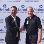 Methodist Hospital for Surgery President Dan Gideon and Addison Mayor Todd Meier. Photo courtesy of Methodist Hospital for Surgery.